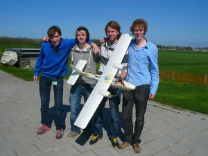 Kitso (right) and friends at the testing range near Schiphol.